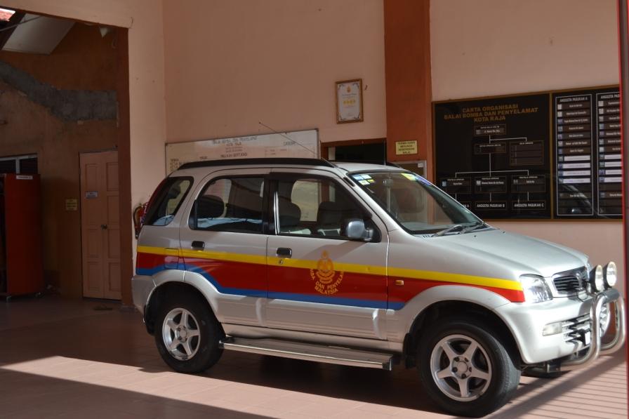 Salah Satu Kendaraan Tim Pemadam Kebakaran