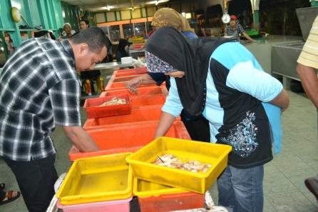 Pedagang Muara Ikan Baka