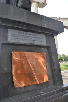 Memuat sejarah Surabaya