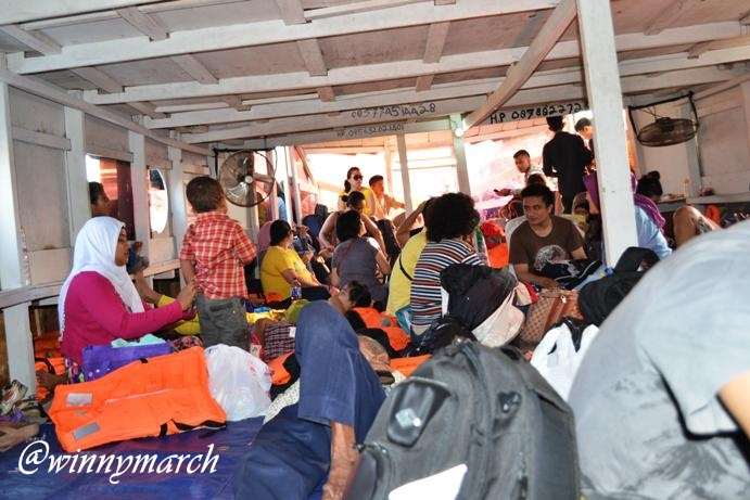 Keadaan di dalam Kapal Motor ke Pulau Pramuka