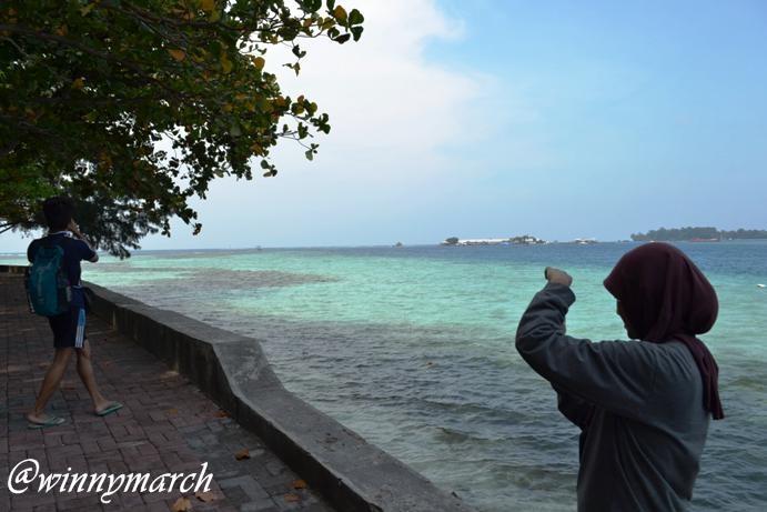 pantai pulau karya