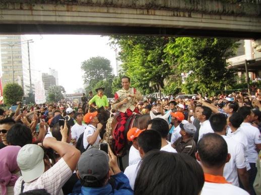 Antusias Warga Jakarta melihat Jokowi