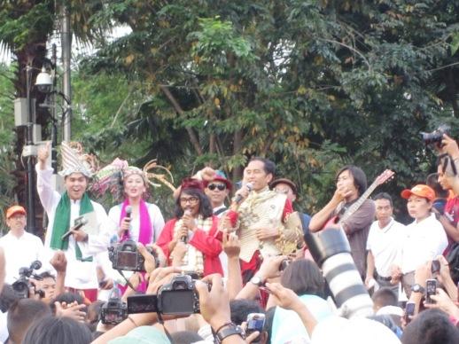 Jokowi di Karnaval Jakarta