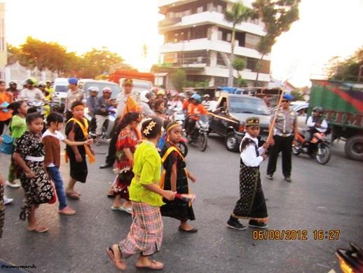 Karnaval Adat Kupang