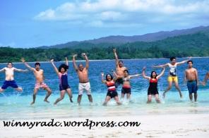 Berenang di Pulau Peucang
