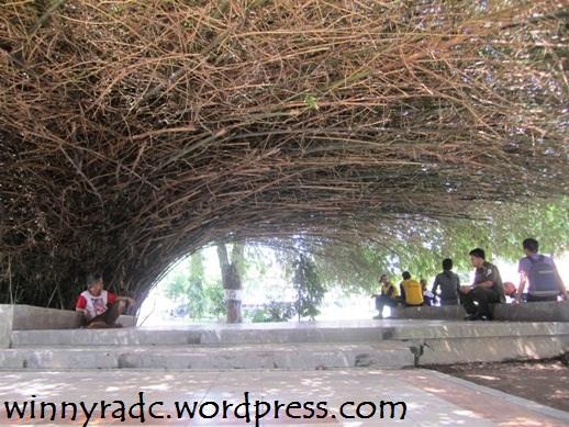 Bambu di Kambang Iwak