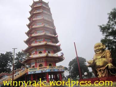 Kuil di Pulau Kemaro Palembang