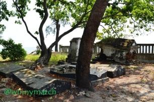 Makam di Pulau Onrust