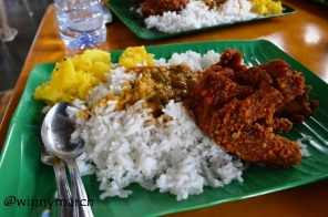 Menu makanan siang di Singapura