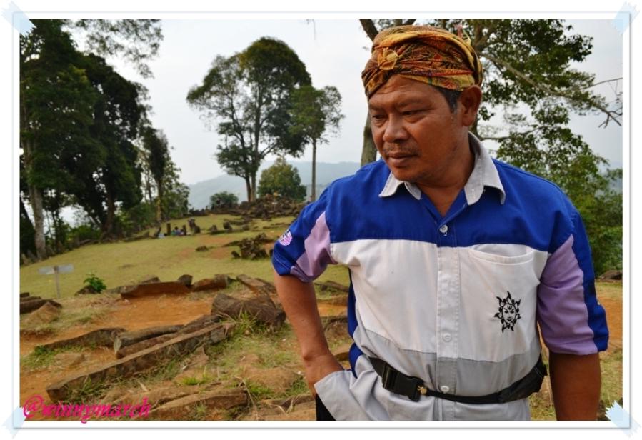 Tourguide Situs Gunung Padang
