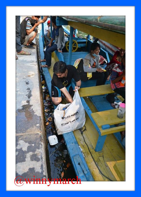 Reza yang membersihkan Pulau Onrust