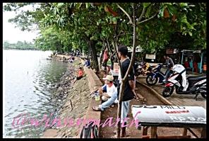 Pemancing di Danau Situ Babakan