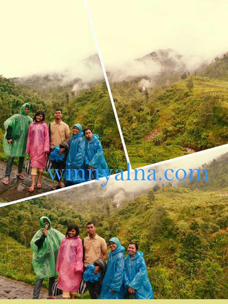Hujan-hujan di Candi Gedong Songo