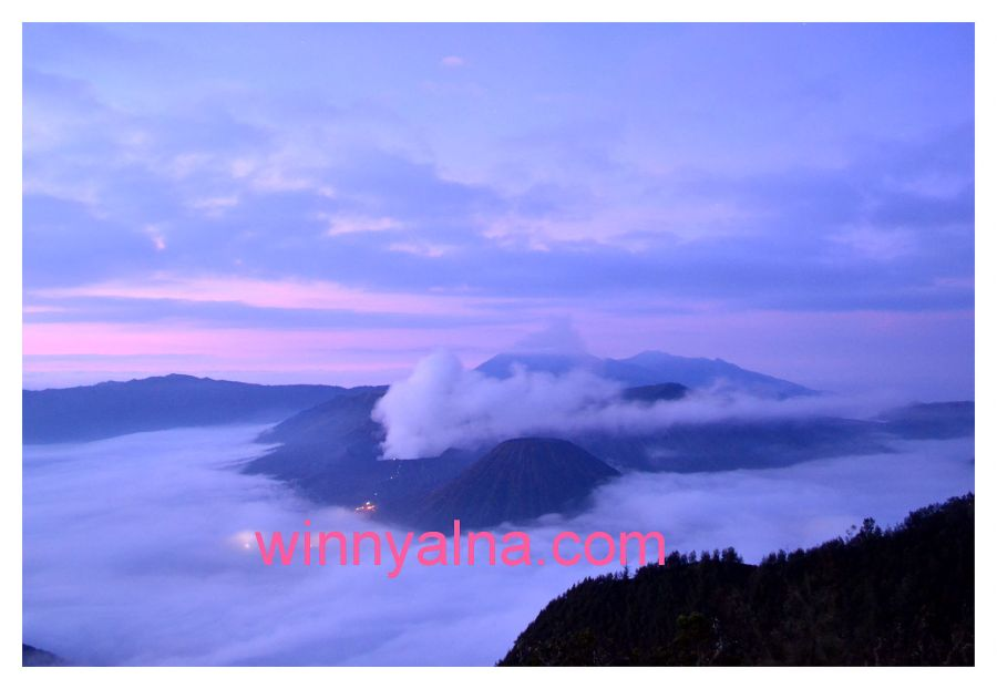 amazing sunrise bromo