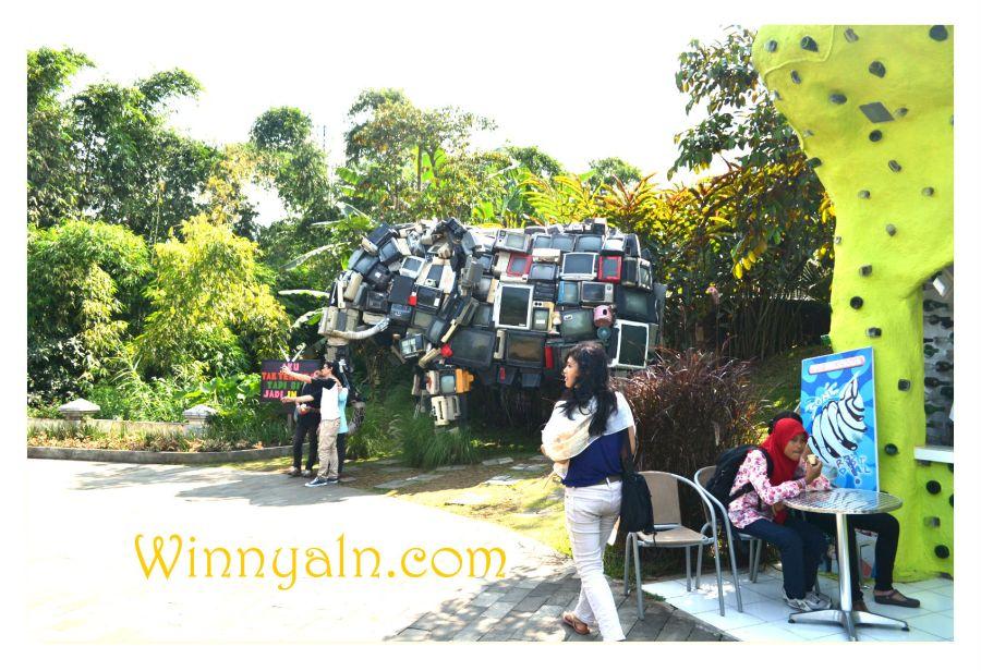 Icon Eco Green Park