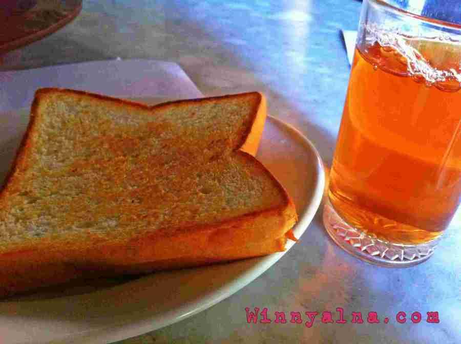 sarapan pagi di Cakra Homestay