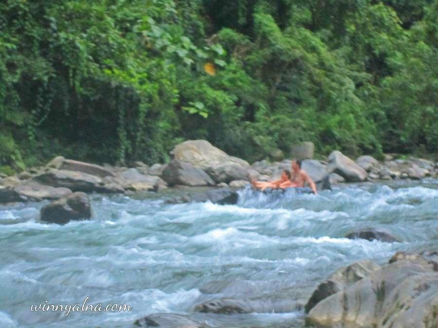 tubing di sungai bahorok