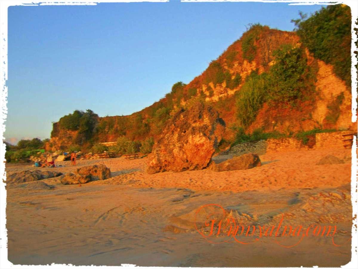 Karang pantai kuta baru