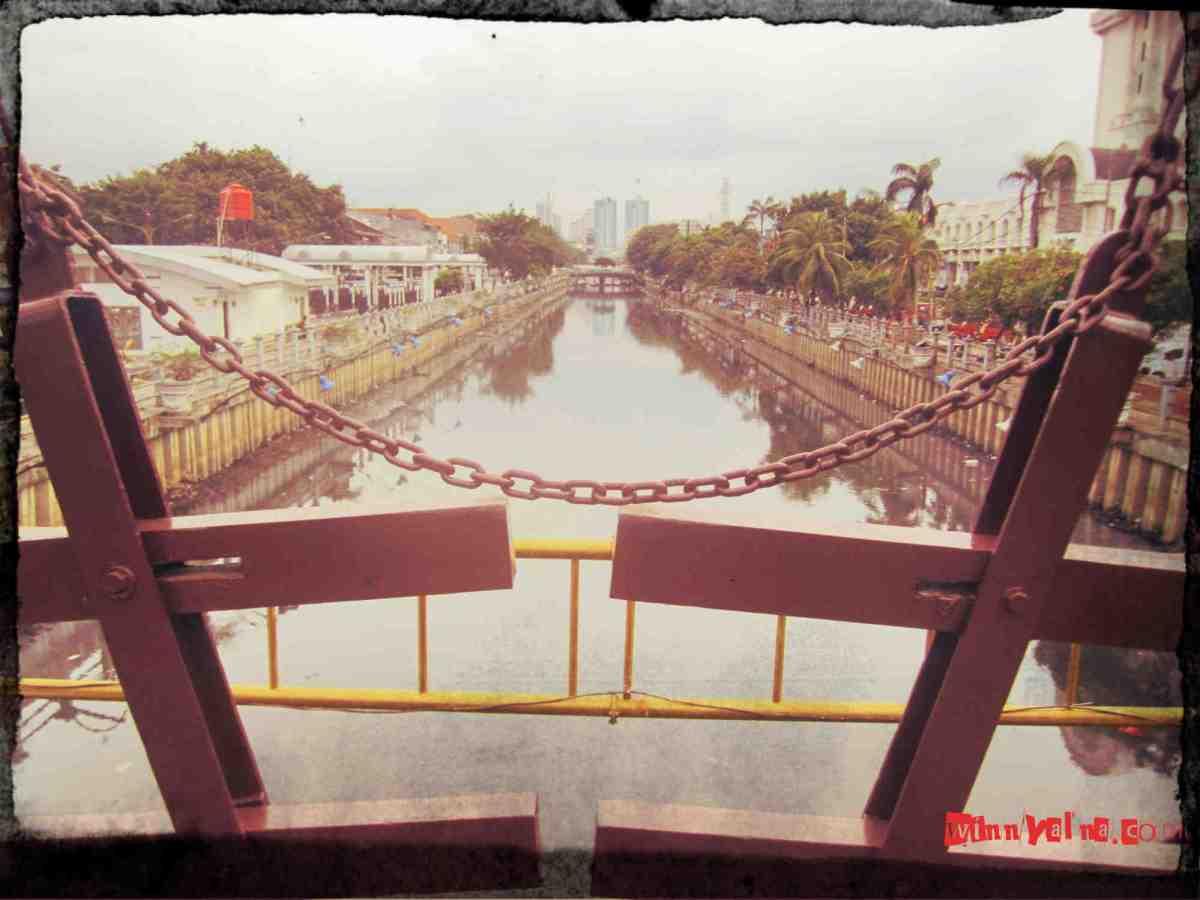 Kali Besar di Jembatan Kota Intan