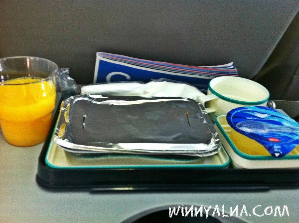 menu makanan saat di pesawat garuda