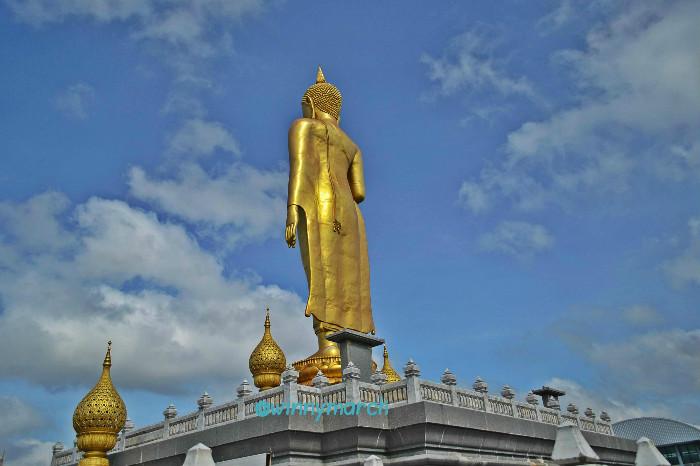 standing statue hatyai