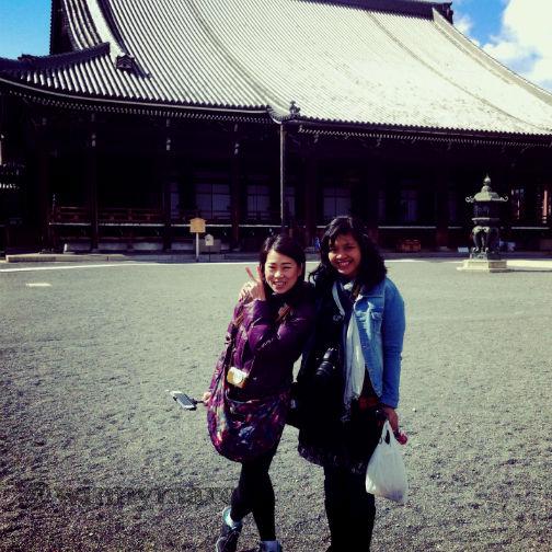 Aku dan Kak Sisca di Hongwanji Nishi Temple
