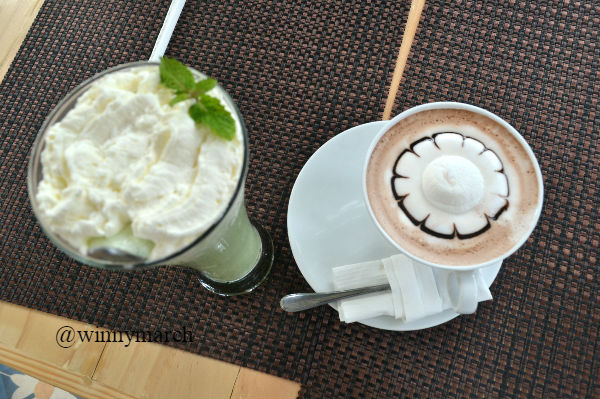 hot choclate dan green Tea