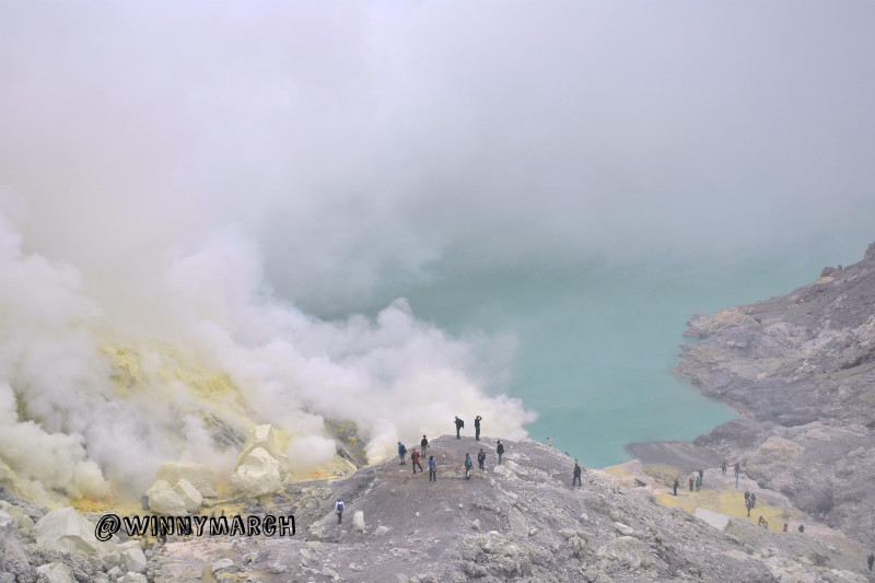Travelling to Ijen