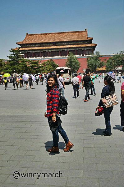 Aku di depan gerbang forbidden city beijing