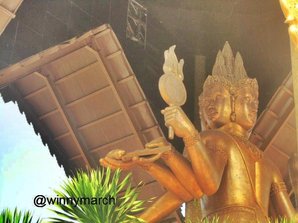Patung Empat Buddha