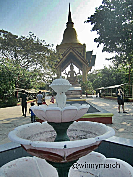 Patung Buddha Empat Muka Surabaya