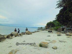 Pantai Pasir Putih Parbaba