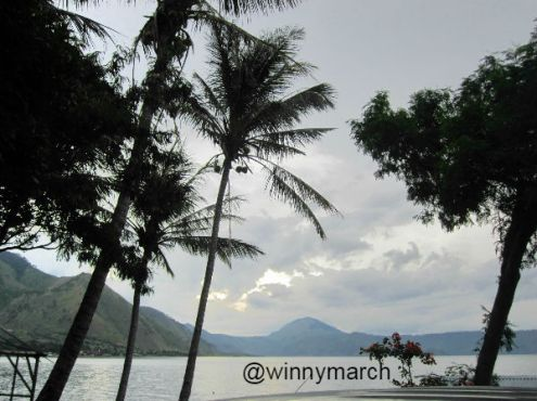 Pasir putih Danau Toba