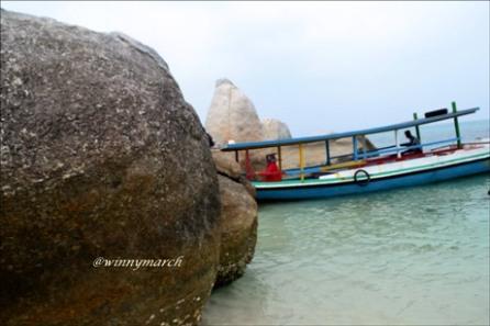 Pulau Batu Berlayar Belitong