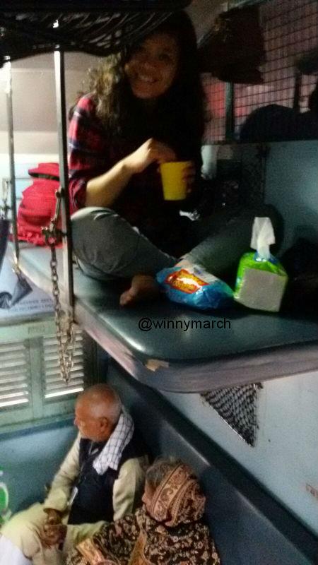 Aku di slepere class Kereta India