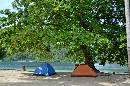 Camping di Pulau Pasumpahan