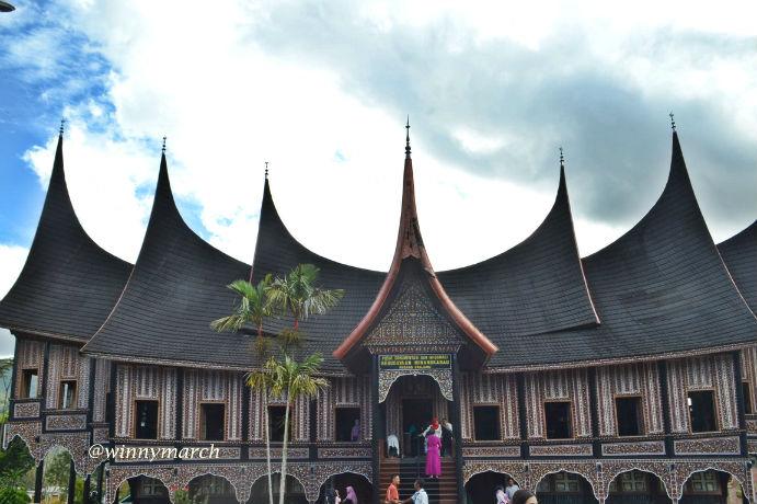 Pusat Budaya Minang Sumatera Barat