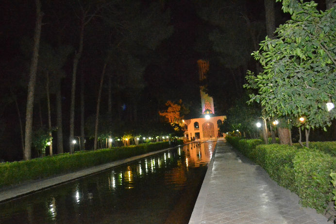 dolat-abad-garden