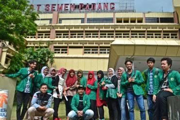 Kunjungan ke Semen Padang