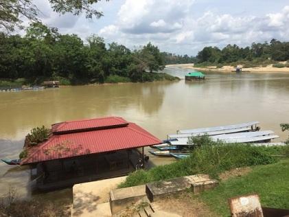 Han travel docks to Taman Negara